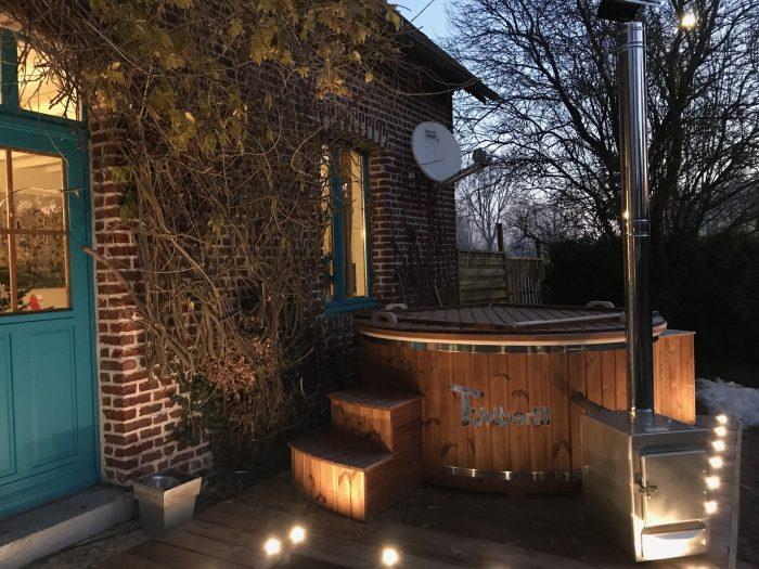 Spa Jacuzzi Avec Poêle Extérieur En Fibre De Verre, Alexander, BOIRY BECQUERELLE, France